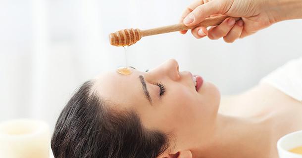 10 recettes de masque au miel pour le visage faciles et rapides à faire